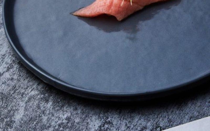 Close-up-kamikoto-knife-with-single-Sushi